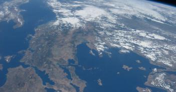 Die Erde vom Weltraum aufgenommen. Das Foto zeigt Griechenland.