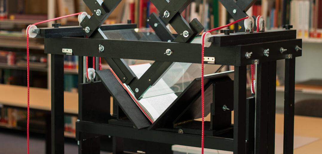 Auf dem Foto ist ein Do-it-Yourself-Drucker des Makerspace der SLUB in Dresden zu sehen