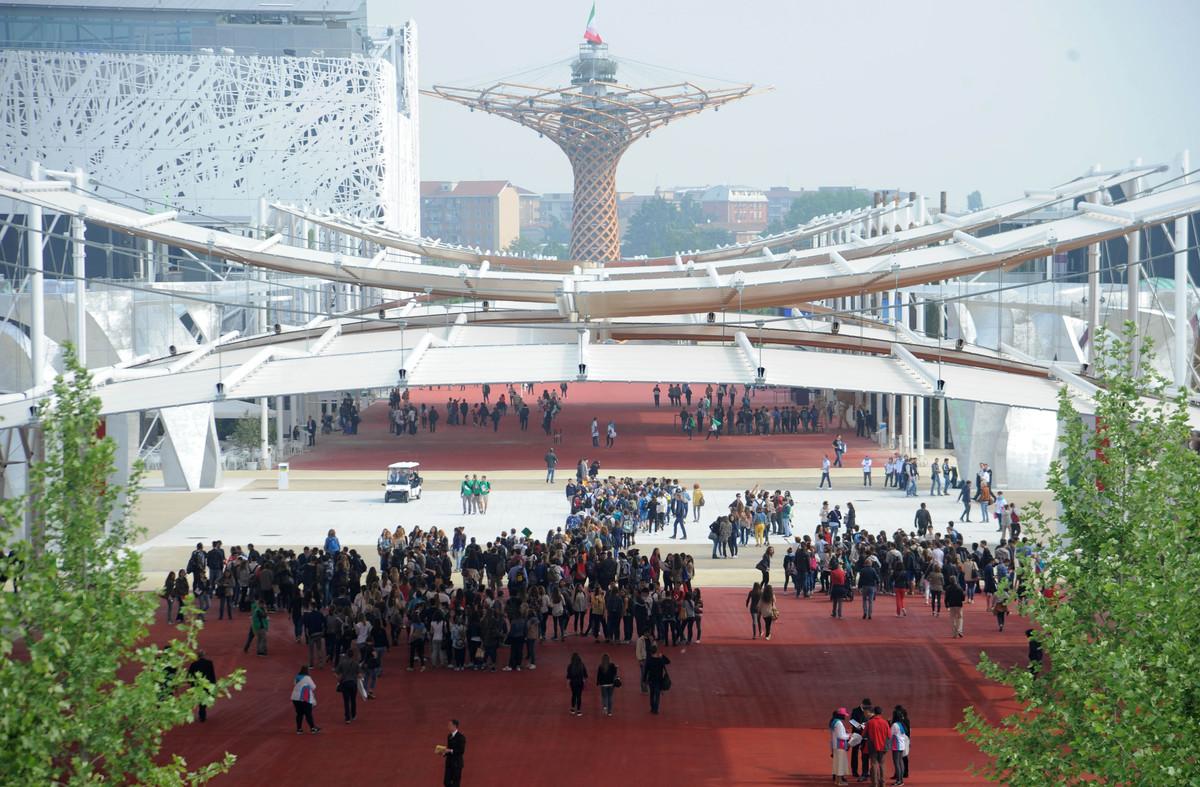 Eingang zur EXPO 2015