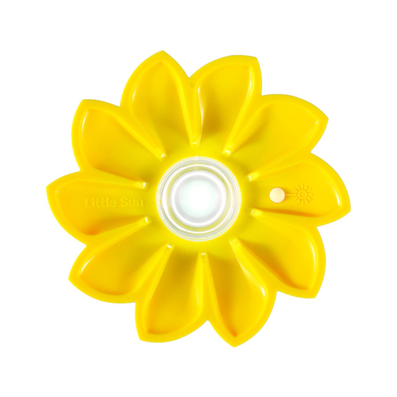 Das Foto zeigt eine Lampe in Form eine Sonne.